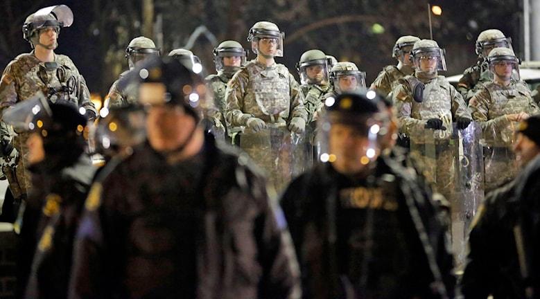 Kravallpolis i Ferguson. Foto: TT/David Goldman