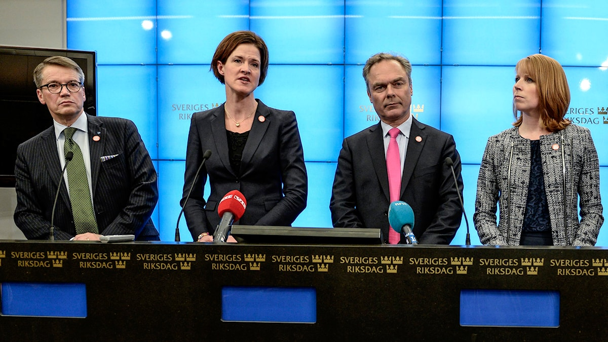 Alliansens ledare med Göran Hägglund (KD), Anna Kinberg-Batra (M), Jan Björklund (FP) och Annie Lööf (C). Foto: TT
