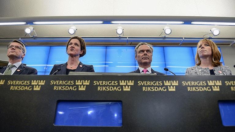 Alliansen ledare Göran Hägglund (KD), Anna Kinberg Batra (M), Jan Björklund (FP), Annie Lööf (C). Foto: Pontus Lundahl / TT.