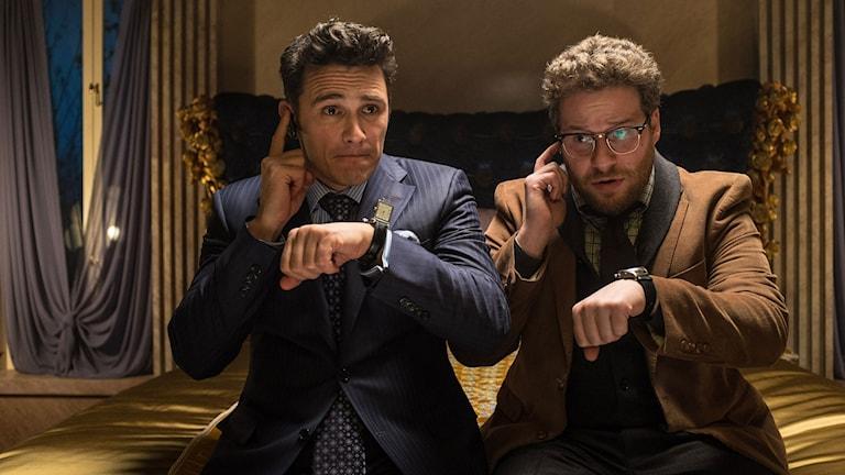 """James Franco och Seth Rogen i filmen """"The Interview"""" som handlar om en CIA-plan för att mörda den nordkoreanske ledaren Kim Jong-Un. Foto: Ed Araquel/ Ap/ TT."""