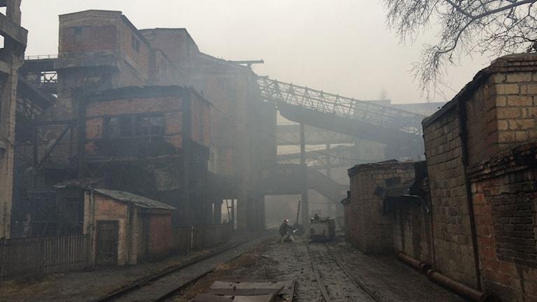 Trudovskaja är en gammal och nergången gruva. På grund av kriget är den översvämmad och just nu utvinns inget kol. Foto: Sten Sjöström/Sveriges Radio