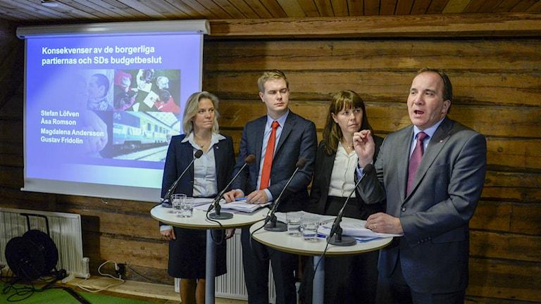 Regeringen höll en presskonferens på Harpsund idag och svarade på frågor om samarbetet inför extravalet. Foto: Bertil Ericson/TT