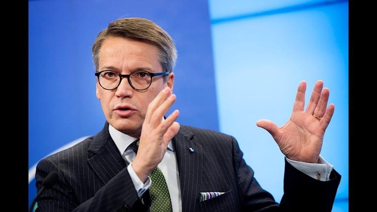 Göran Hägglund (KD) vill hitta fler vägar för utrikesfödda att komma in på arbetsmarknaden. Foto: Jessica Gow/TT