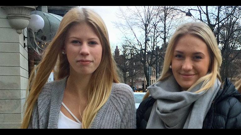 Julia Granström och Tove Skärberg. Foto: Jenny Sanner Roosqvist/Sveriges Radio.