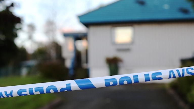 Polis, avspärrning, mord