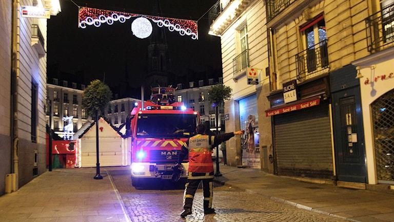 Säkerheten i Frankrike skärps efter flera dagar av våldsamma attacker på offentliga platser. Foto: Laetitia Notarianni/TT.