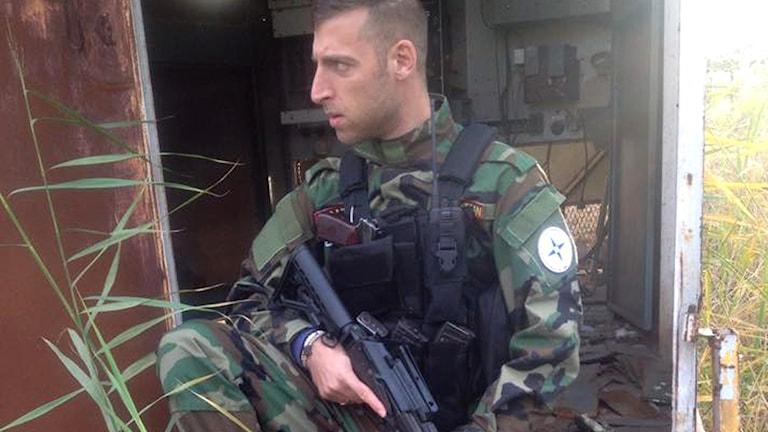 Daniel har rest till Irak för att ingå i en försvarsstyrka. Foto Nineveh Plain Protection Units