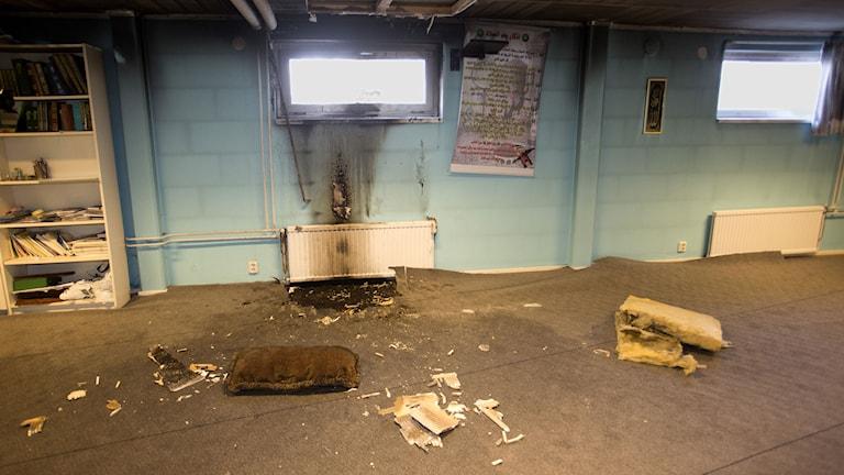 I Eslöv: ännu en moské har brunnit i Sverige. Polisen misstänker att den är anlagd. Foto: Drago Prvulovic/ TT