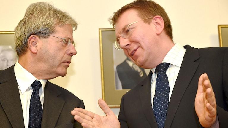 Lettlands utrikesminister Edgars Rinkēvičs t.h. och hans italienska kollega Paolo Gentiloni t.v. Foto: Ilmars Znotins/TT.