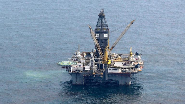 Oljeborrplattform ute i havet vid Mexikanska golfen. Foto: TT.