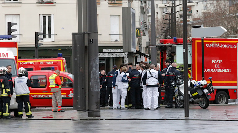 Brandbilar och ambulanser i Paris.