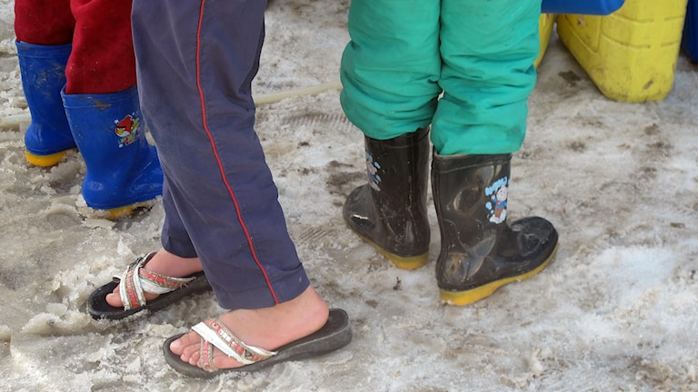 Många av barnen på flykt från Syrien har inga vinterskor. Foto: Katja Magnusson.