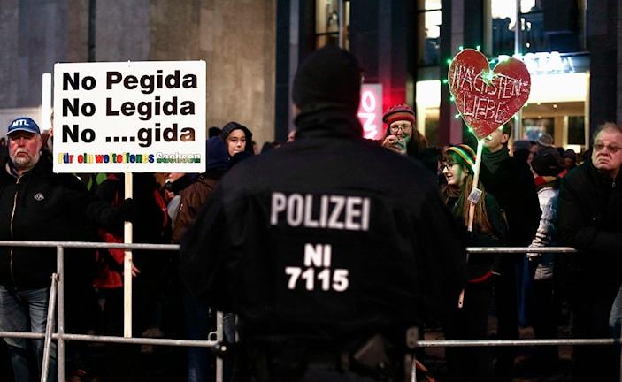 ta1d36b8 Pegidademonstrationer i Leipzig. Foto: Markus Schreiber/TT