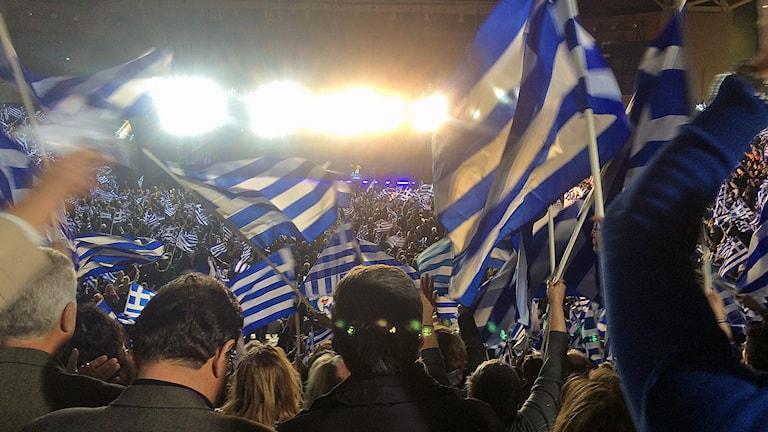 Stadion i Aten var fylld av anhängare när premiärminister Antonis Samaras valtalade i går kväll. Foto: Johanna Melén / Sveriges Radio.