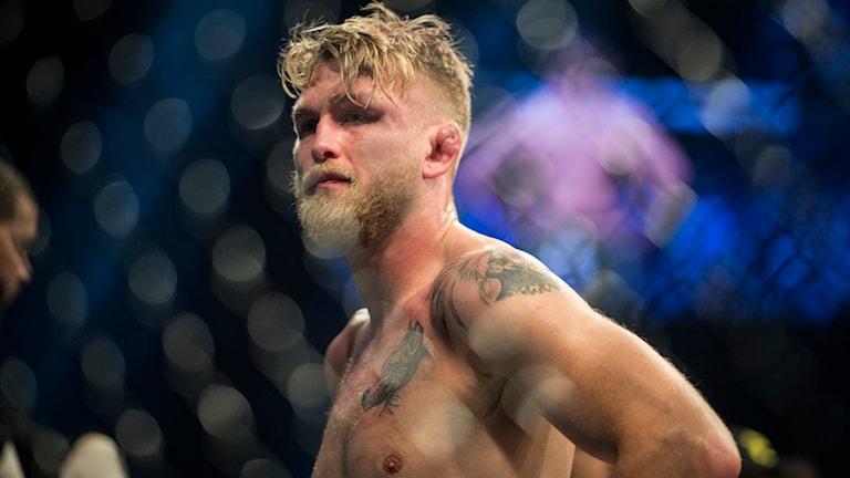Svenske Alexander 'The Mauler' Gustafsson efter den lätta tungviktsmatchen mot Anthony 'Rumble' Johnson från USA.