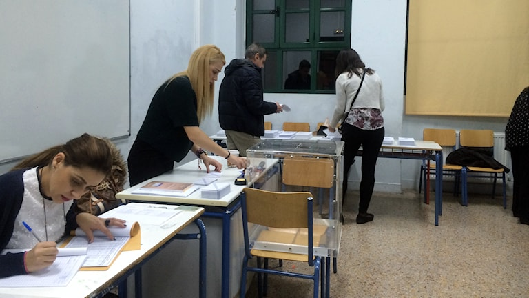 En vallokal i centrala Aten.