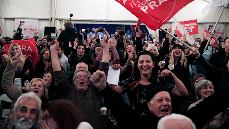 Syriza firar i Aten. Foto: Lefteris Pitarakis/TT