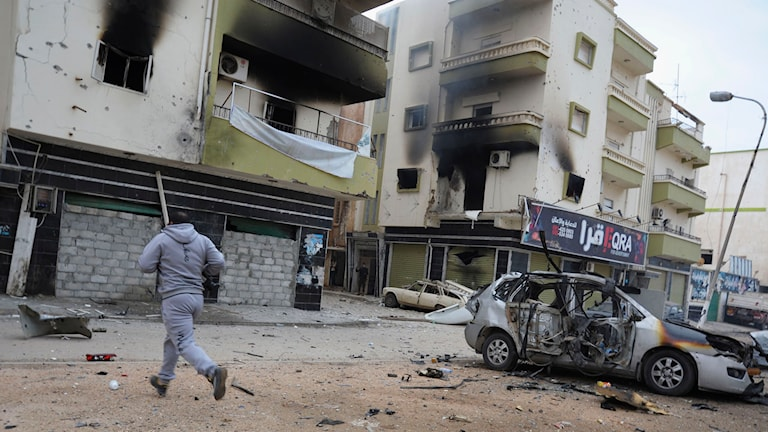 Staden Benghazi har under flera år plågats av strider, och enligt Amnesty är läget nu akut för invånarna. Foto: Mohammed el-Sheikhy/TT