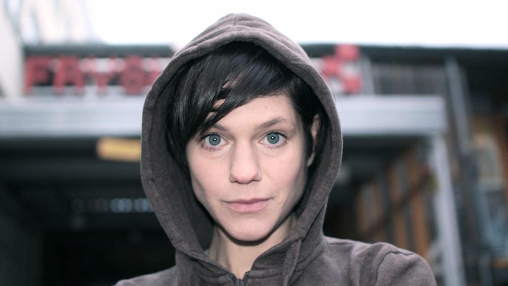 """Rakel Wärmländer spelar Nora i uppsättningen """"Den fastspända flickan"""". Foto: Jens Choong"""