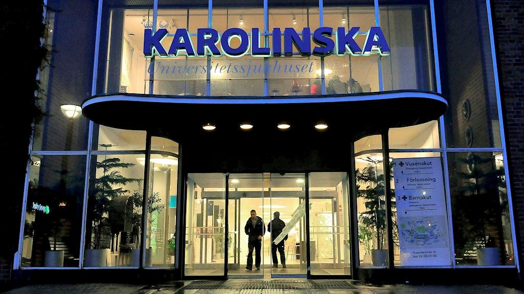 Entrén till Karolinska Universitetssjukhuset i Solna. Foto: Jonas Ekströmer/TT.