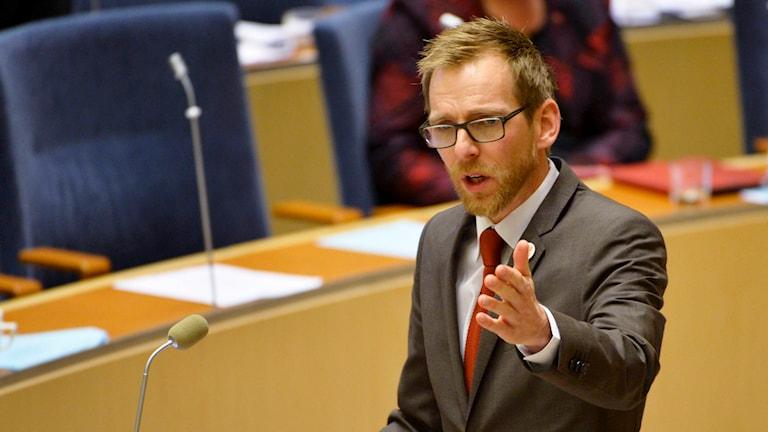 Jakob Forssmed under riksdagens budgetdebatt. Foto: Henrik Montgomery/TT.
