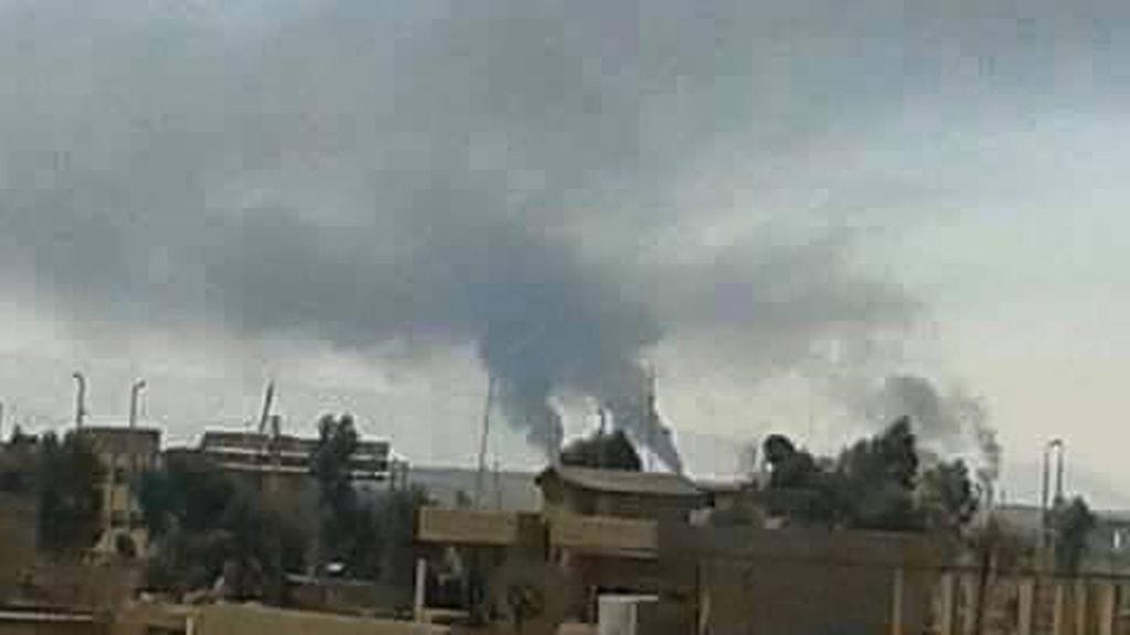 granateldsrök efter IS beskjutning av en assyrisk by. Foto: Privat