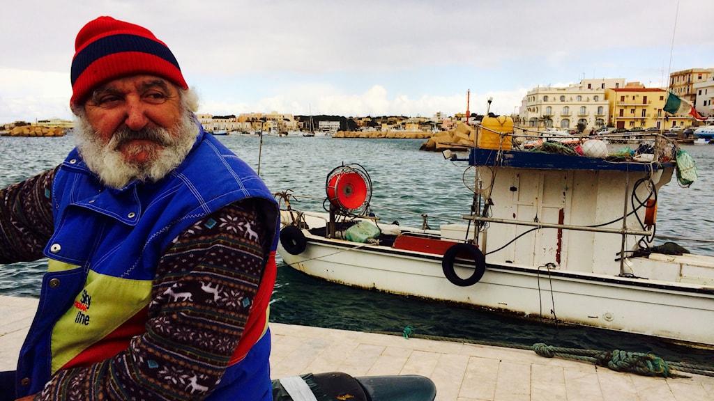 Fiskaren Francesco Gervasi på Lampedusa. Foto: Beatrice Janzon/Sveriges Radio