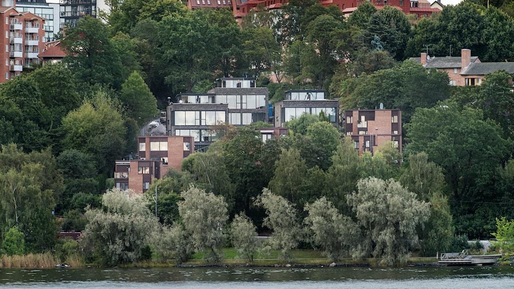 Strandnära hus på Lidingö, i Stockholm. Foto: TT