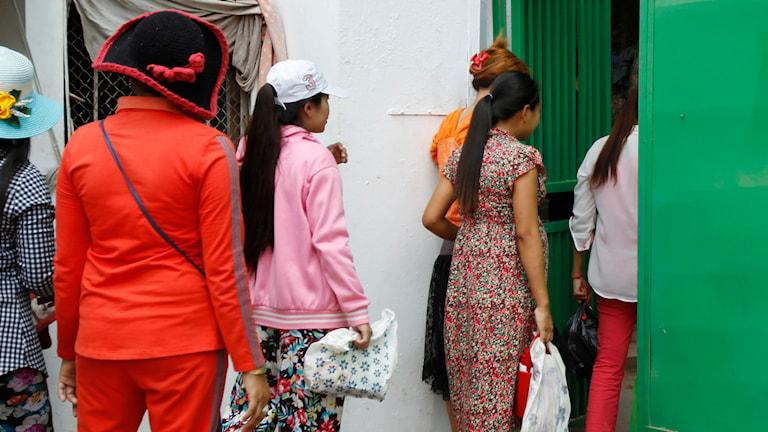 Textilarbetare i Kambodja. Foto: Heng Sinith/AP.