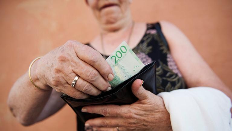 Sedlar, pengar, kontanter