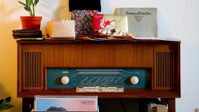 Radioapparat från 50-talet. Foto: TT.