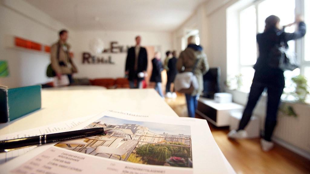 Visning av en lägenhet som är till salu Foto: Fredrik Persson/TT.