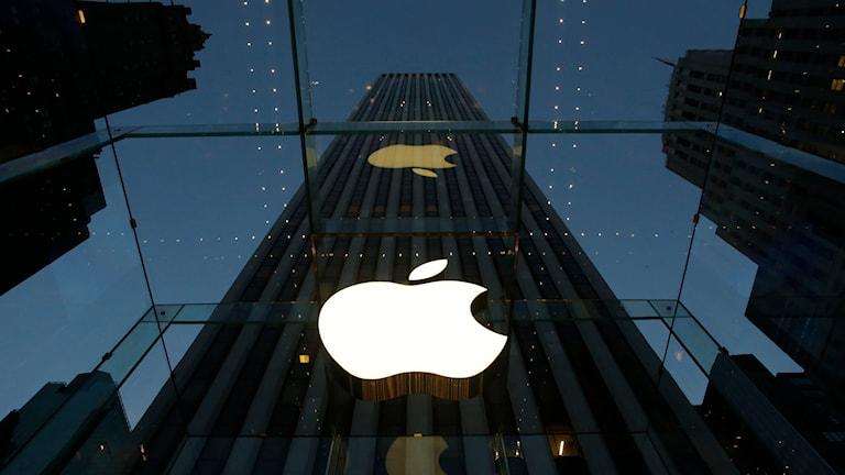 Apples flaggskeppsbutik på Femte avenyn i New York. Foto: Mark Lennihan/TT.