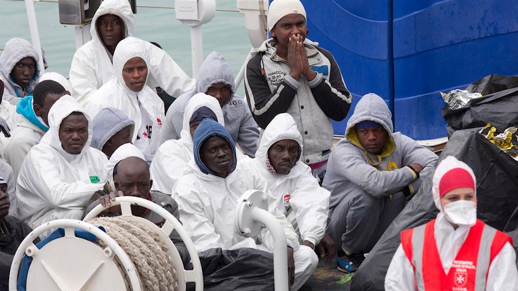 Flyktingar, Medelhavet, Italien