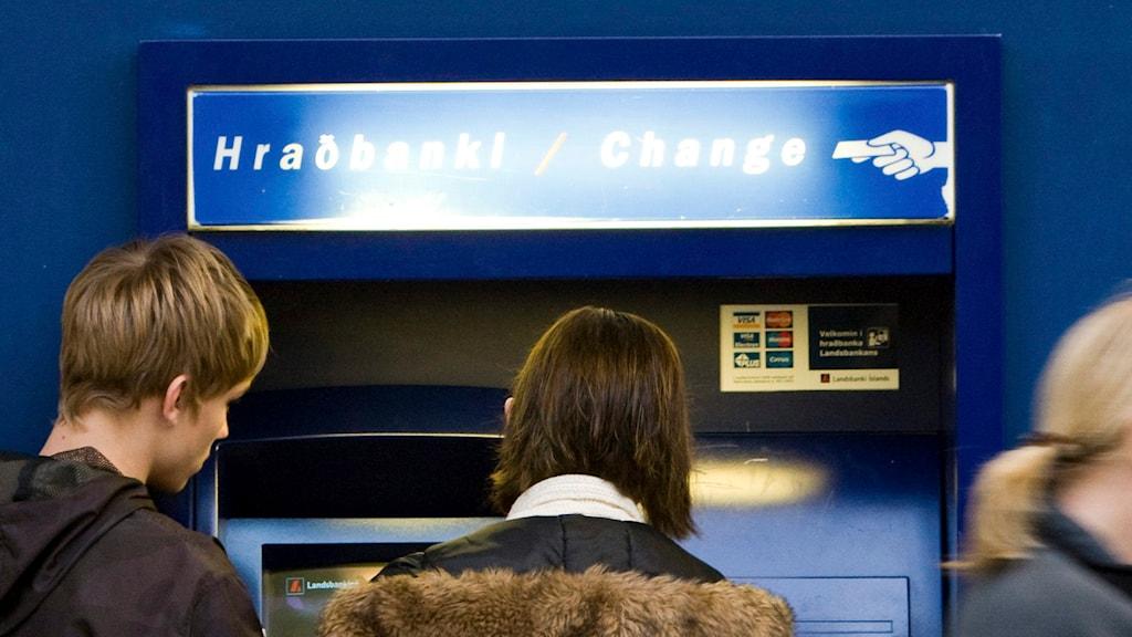 Bankomat på Island. Foto: Arni Torfason/AP.