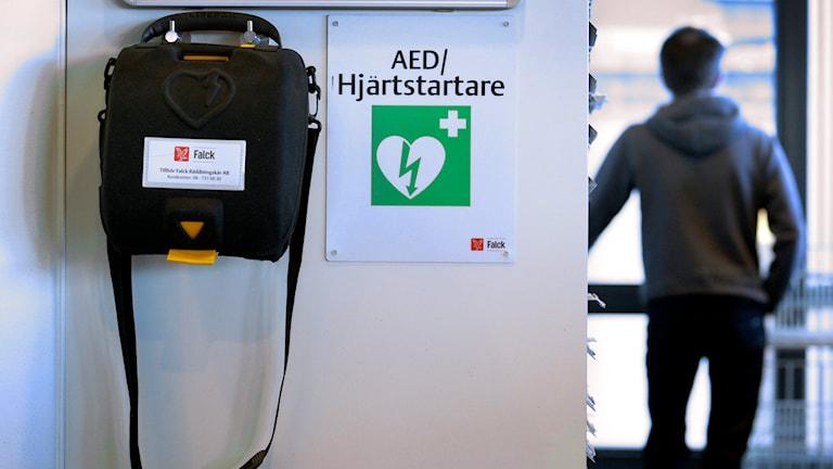 Hjärtstartare kan ha stor betydelse. Foto: Janerik Henriksson/TT