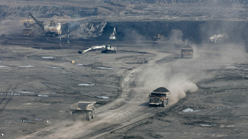 Lastbil som fraktar kol från gruvan vid El Cerrejon i Guajira i norra Colombia. Foto: Ricardo Mazlan/AP