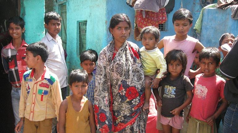Asha Mamoj Pasman känner många grannar som förlorat flera barn. Foto: Johan Bergendorff / Sveriges Radio