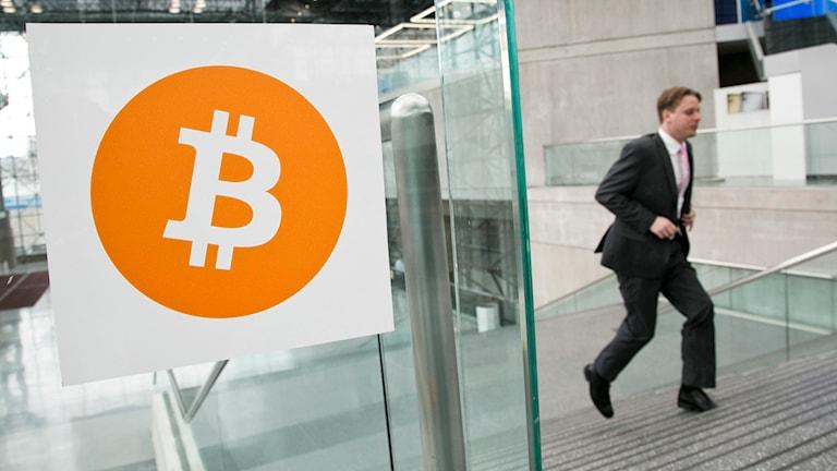 Digitala valutan Bitcoin. Foto: Mark Lennihan/TT.