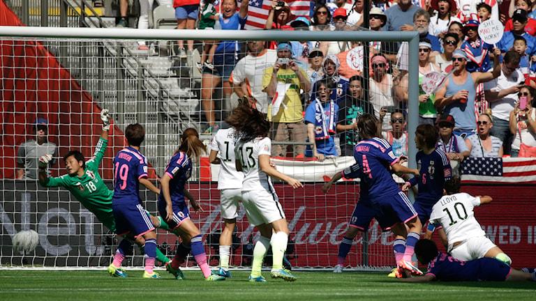 20150705 VM-final Japan-USA. Carli Lloyd gör mål. Foto: Elaine Thompson/TT
