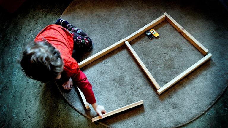 Barn leker. Foto: Jurek Holzer/TT.