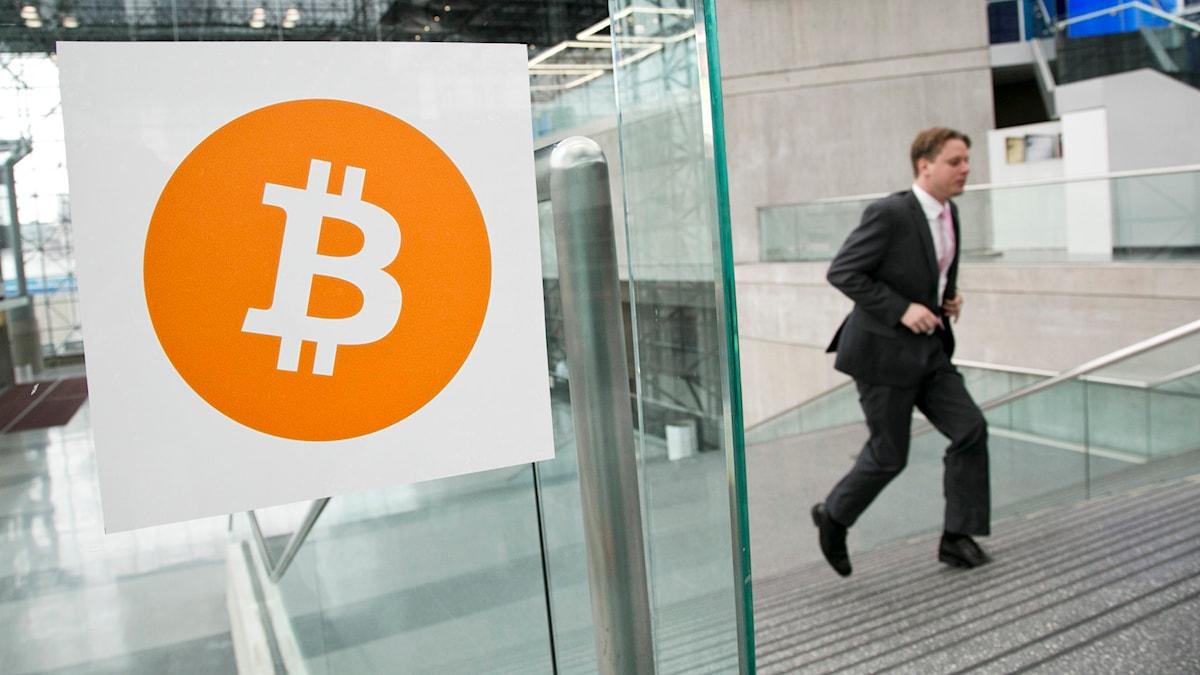 Den digitala valutan bitcoin blir allt populärare Foto:Mark Lennihan/TT