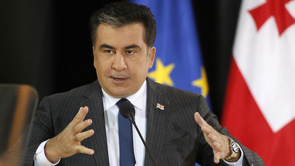 Micheil Saakasjvili håller ett tal under 2013. Foto: Shakh Aivazov/AP/TT.