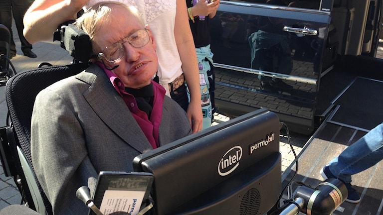 Stephen Hawking är på besök i Stockholm. Foto: Annika Selin/Sveriges Radio.