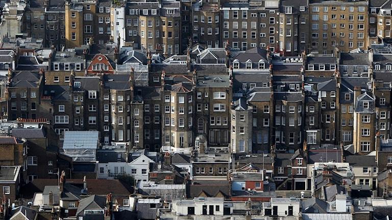 En undersökning visar att medelhyran för en tvårummare i London har passaer 20 000 kronor i månaden. Foto: Alastair Grant/TT.