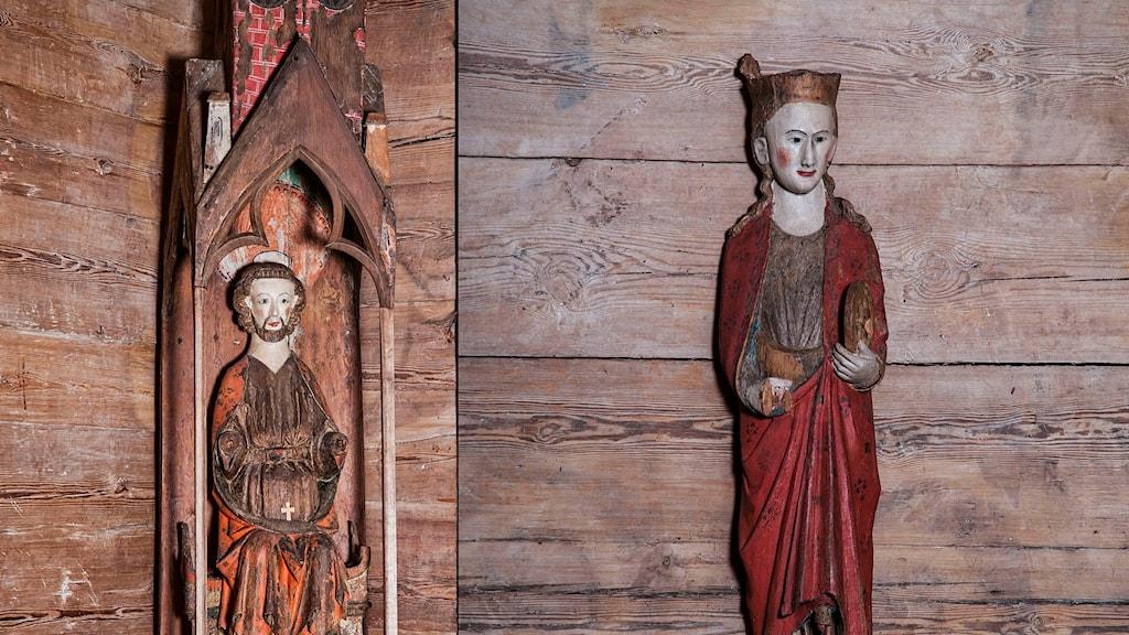 Två medeltida träfigurer som stals ur Tidersrums kyrka hösten 2010. Träskulpturerna återfanns i Spanien tidigare i år och har nu återlämnats till kyrkan. Foto: Foto: Riksantikvarieämbetet/ Bengt A Lundberg.