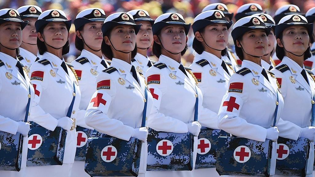 Kina visar upp sina militära muskler med en parad i Peking Foto: TT/AFP