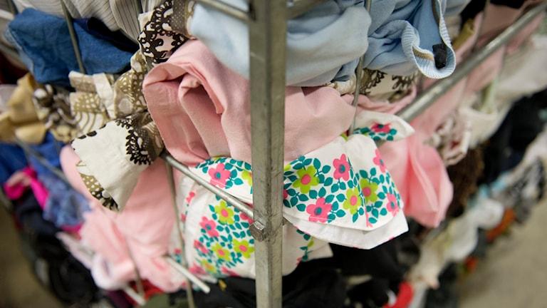 Klädinsamling. Foto Jessica Gow/TT