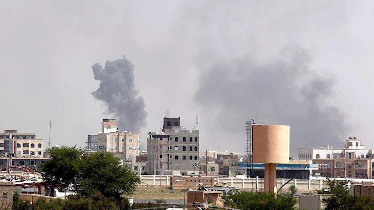 Bombraider i Sanaa i Jemen. Foto: Hani Mohammed/TT