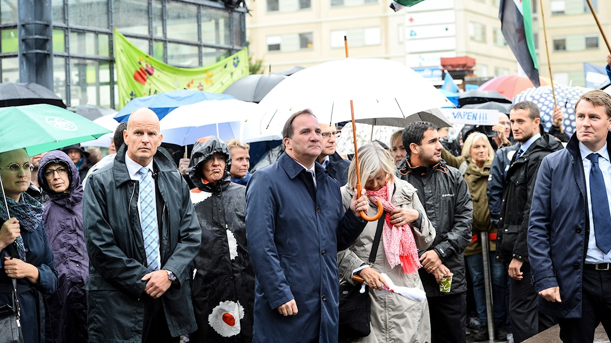 "Prime Minister Stefan Löfven (S) at the ""Refugees Welcome"" demonstration in Stockholm. Photo: Maja Suslin/TT"